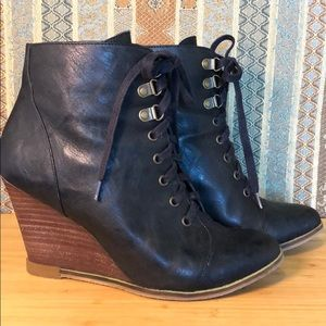 Le Chateau Wedge Booties